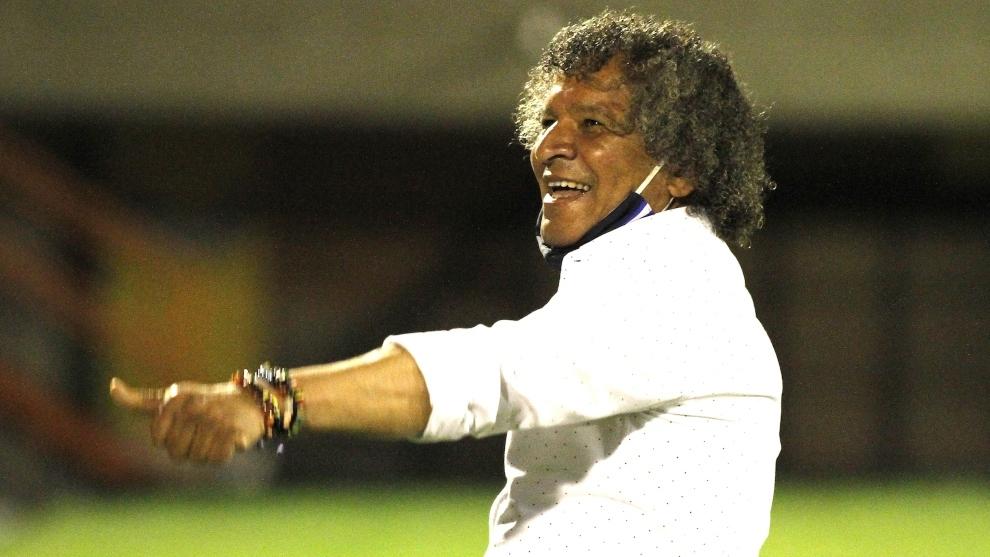 Alberto Gamero, durante un partido de Millonarios.