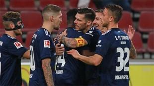 Jugadores del Unión Berlín celebran un gol.