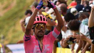 Daniel Felipe Martínez celebra su triunfo en el Tour de Francia
