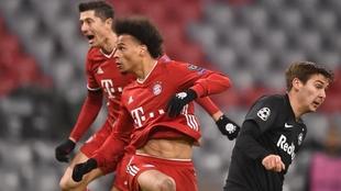 Lewandowski y Sané, durante la victoria ante el Salzburgo.