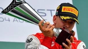 Mick Schumacher debutará en el 2021 en la F1.