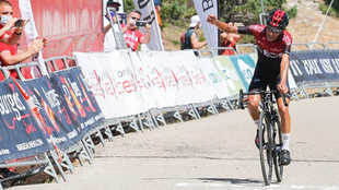 Iván Ramiro Sosa se impuso en la cima de las Lagunas de Neila en la...