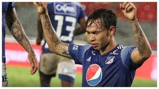 Ricardo 'Caballo' Márquez celebrando uno de sus goles.