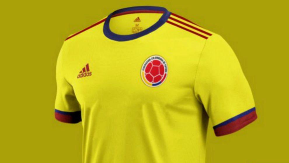 Saliente novato no se dio cuenta  Selección Colombia hoy: ¿Te gustó la nueva camiseta de la Selección Colombia?    MARCA Claro Colombia
