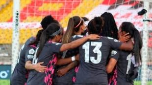 Santa Fe celebrando el gol ante el América en la final.