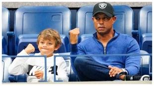 Charlie y Tiger Woods.