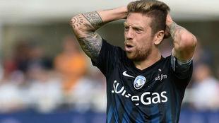 El Papu Gómez se lamenta durante un partido con el Atalanta