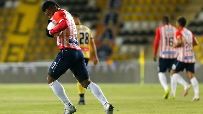 Borja besa el escudo tras anotarle a Coquimbo Unido.