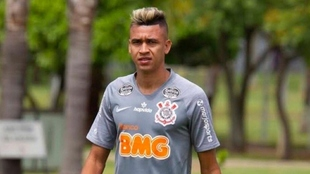 Víctor Cantillo, en un entrenamiento con Corinthians.
