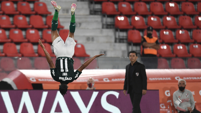 El Palmeiras pone a River patas arriba