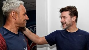 Pochettino saluda a Keylor Navas tras su llegada al PSG