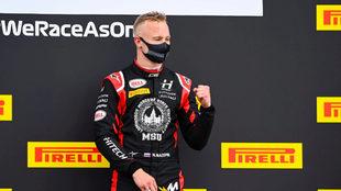 Mazepin celebra un podio en GP2