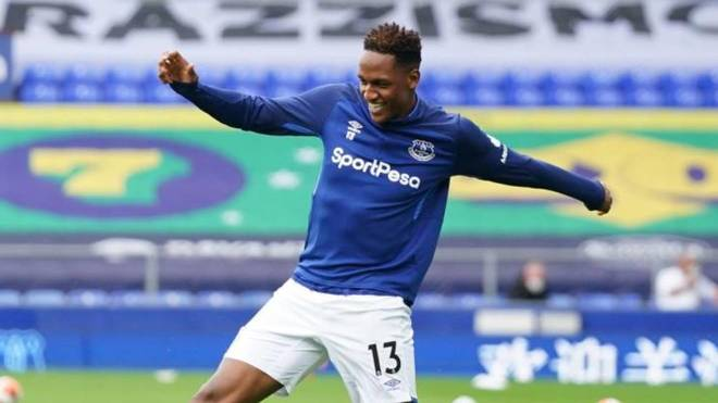 Yerry Mina, durante un partido con el Everton