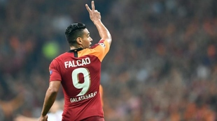 Radamel Falcao García con la camiseta del Galatasaray