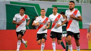 Rafael Santos Borré marca el segundo para River Plate