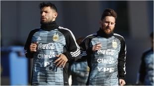 Agüero y Messi, durante un entrenamiento de la selección Argentina.