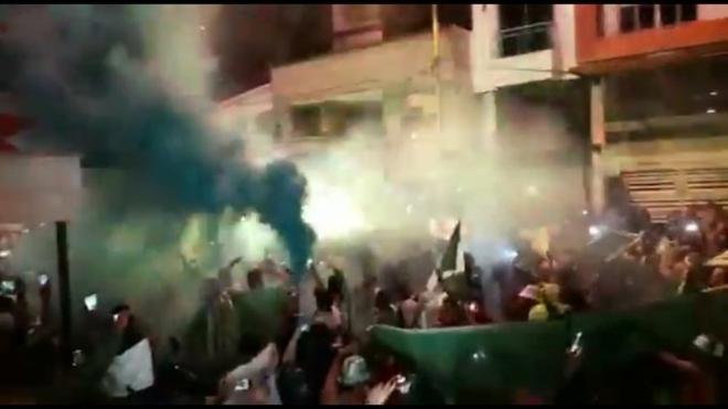 Atlético Nacional: Hinchas de Nacional se reúnen sin medidas de bioseguridad en el hotel 1