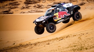 Carlos Sainz, en competendia del Rally Dakar.
