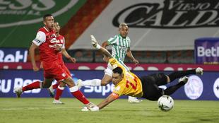 Acción del gol de Vladimir Hernández, el segundo del juego.