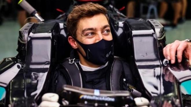 Russel es uno de los candidatos a sentarse en un Mercedes en el...