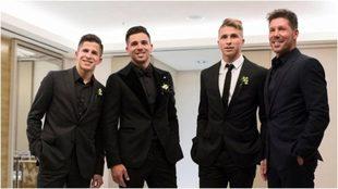 El Cholo Simeone con sus tres hijos varones. Giovanni es el segundo...