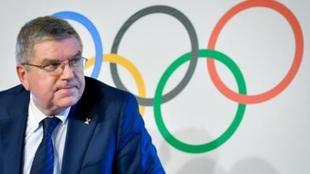 Thomas Bach reconoce que no habría Plan B si se cancelan los Juegos...