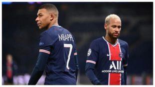 Mbappé y Neymar, durante un partido con el PSG