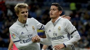 Odegaard y James, durante un partido con el Real Madrid