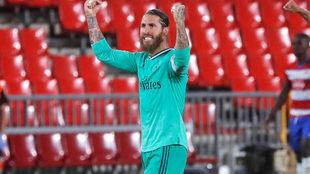 Sergio Ramos celebra un gol con el Real Madrid