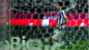 Luis Díaz celebra su gol en el triunfo de Porto 2-0 sobre Río Ave.