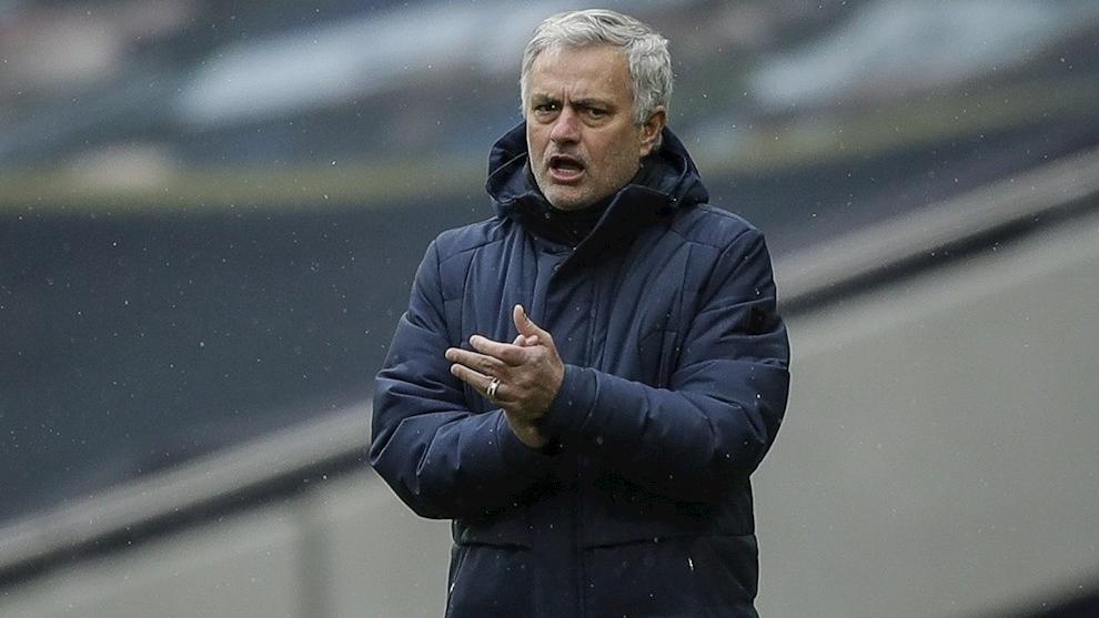 Mou destaca el fichaje de James Rodríguez por el Everton.