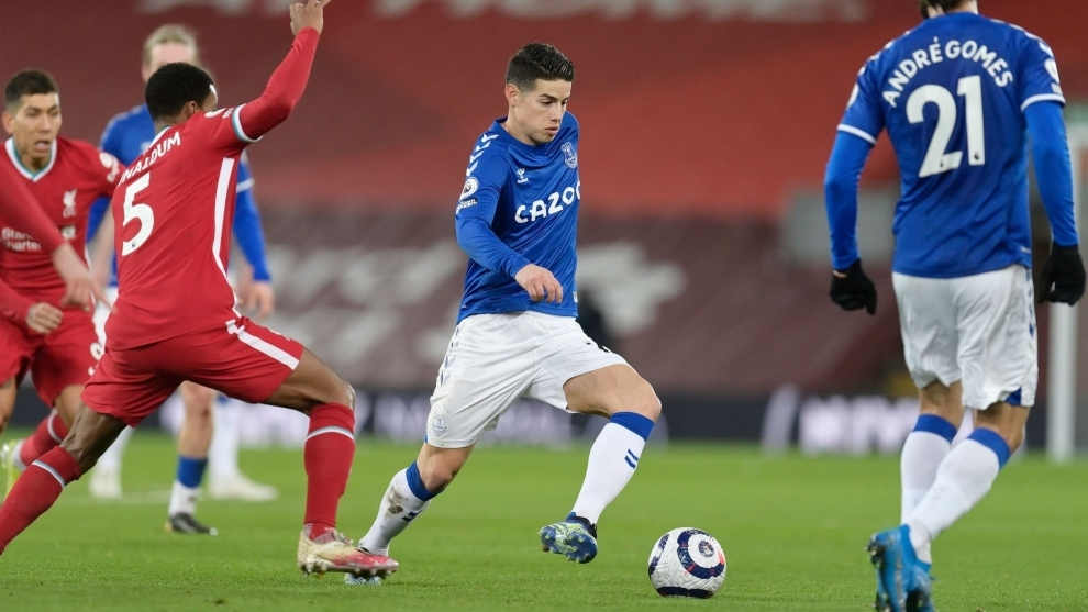 El colombiano JAMES RODRIGUEZ hace historia al guiar al Everton a ganarle al Liverool, después de 21 años y medio