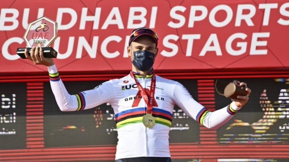 La felicidad del italiano tras quedarse con la segunda etapa.