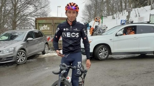 Egan Bernal hace reconocimiento para el Giro de Italia.