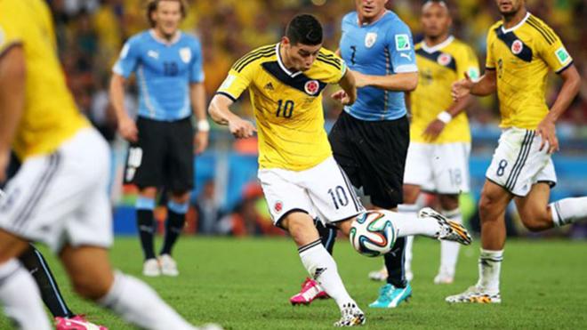 James Rodríguez ante Uruguay en el Mundial de Brasil 2014.