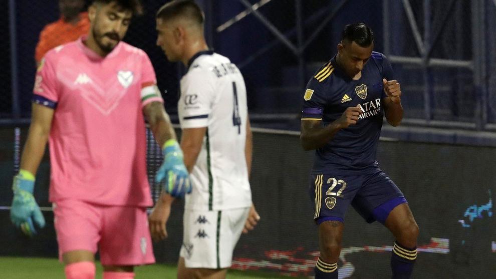 Sebastián Villa celebra uno de sus goles en la victoria de Boca...