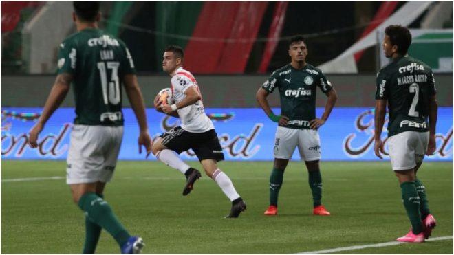 Borré festeja el gol que le hizo al Palmeiras en la vuelta de las...