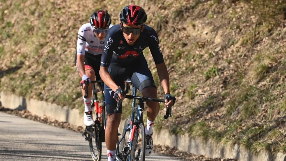 Egan Bernal en el ascenso al Prati di Tivo en la Tirreno - Adriático