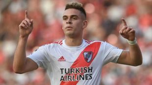 Santos Borré celebra un gol con River Plate