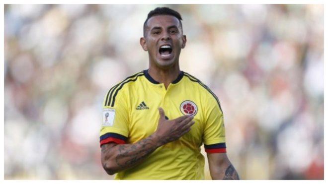 Edwin Cardona celebra un gol con Colombia