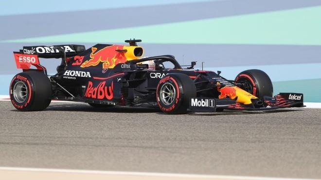 Verstappen lideró los dos entrenamientos libres en Bahrain.