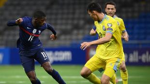 Dembele, durante el partido contra Kazajistán.