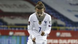 Griezmann saca a Francia de un problema con la victoria por la mínima...