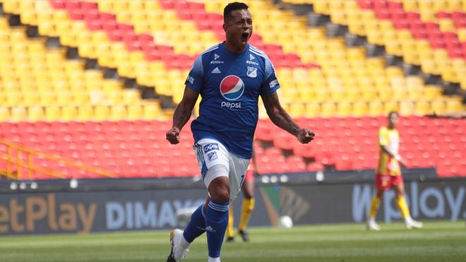 Fredy Guarín celebra un tanto con Millonarios por la Liga BetPlay.