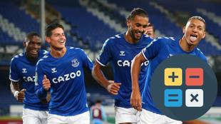 Jugadores del Everton celebran un gol.