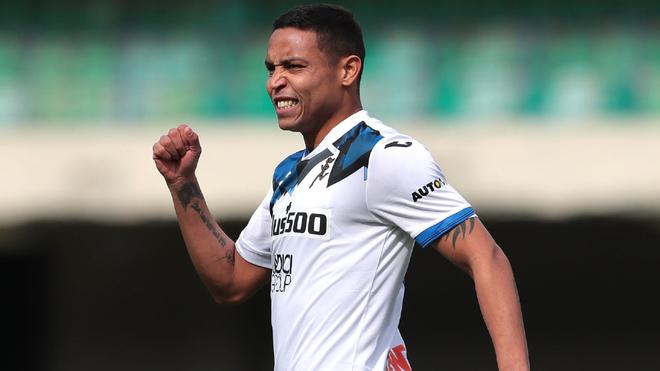 Luis Fernando Muriel celebra un tanto con el Atalanta.
