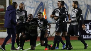 Junior celebra el gol de Mera junor a Amaranto Perea