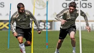 Hazard y Valverde, durante un entrenamiento