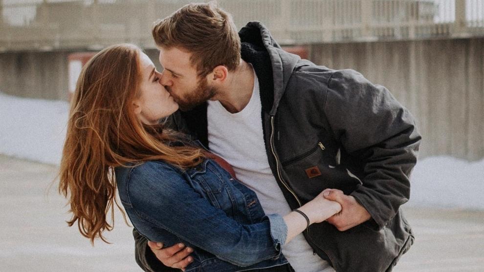 Día Internacional de Beso hoy martes 13 de abril.