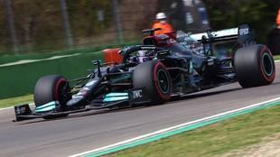 Lewis Hamilton acumula 99 poles en su carrera